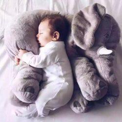 Elefant perna si jucarie plus culoare gri